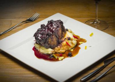 WT_CARLOSMARQUES_Bondiola de cerdo ibérico a baja temperatura con frutos rojos y crema de patata3